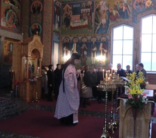 Suuren viikon palvelus Kristuksen kirkastumisen kirkossa. Photo: Hellevi Matihalti