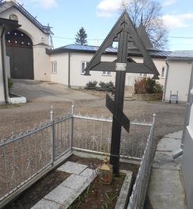 Isä Vasili Borin on haudattu Vasknarvan kirkon viereen. (Photo: Aristarkos Sirviö)