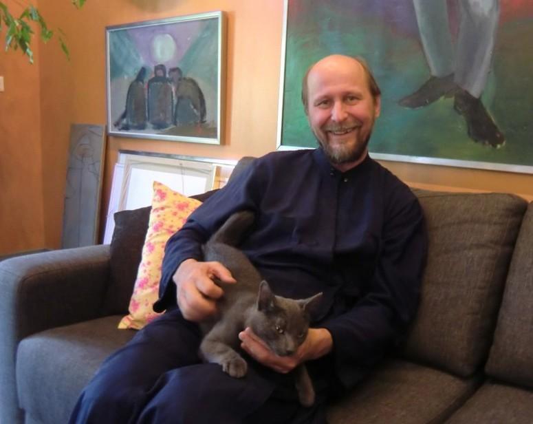 Piispa Arseni ja Pushkin -kissa.  ( Kuva/Photo: Hellevi Matihalti )