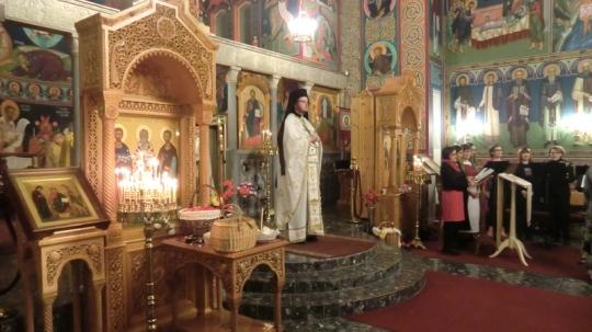 Jumalanpalvelus Kajaanin ortodoksisessa kirkossa keväällä 2014. (Kuva/Photo: Hellevi Matihalti )
