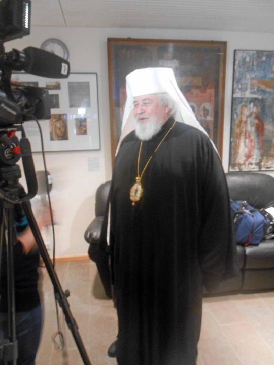 Arkkipiispa Leo lehdistötilaisuudessa ennen päätösistunnon alkua Valamon Luostarin kulttuurikeskuksessa. (Kuva/Photo: Aristarkos Sirviö)