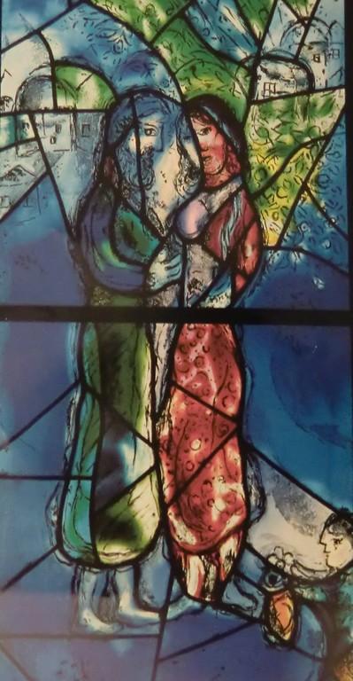 Kuva/Photo:  Osa Marc Chagallin lasimaalauksesta St. Stephenin kirkossa Mainzissa.