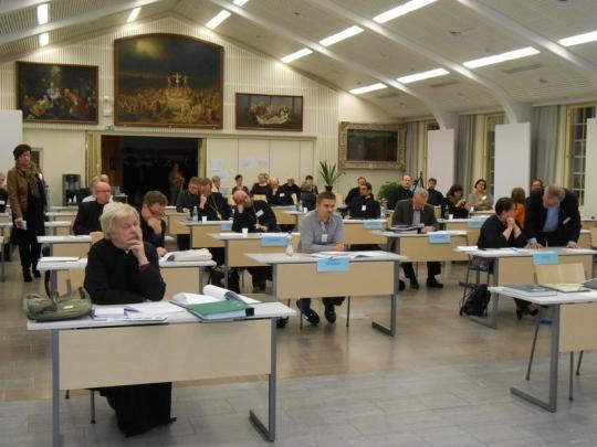 Kirkolliskokouksen täysistunto Valamon kulttuurikeskuksessa 2013. (Kuva/Photo: Aristarkos Sirviö )