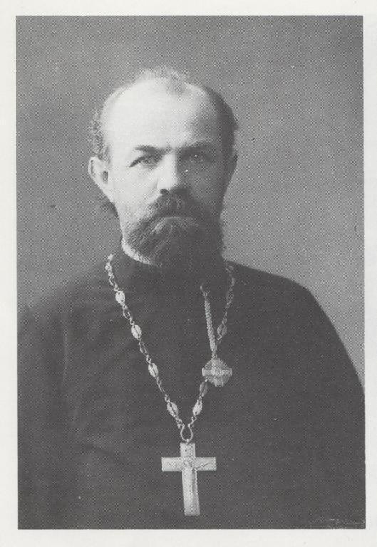 Isä Dimitri Troitski. Kuva teoksesta Helsingin ortodoksinen seurakunta 1927 - 1977