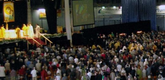 """Tämän vuoden kirkkopäivien teema on """" Ihmisten kirkko"""". Kuva edellisiltä kirkkopäiviltä Joensuusta 2010.  (Kuva/Photo: Aristarkos Sirviö)"""