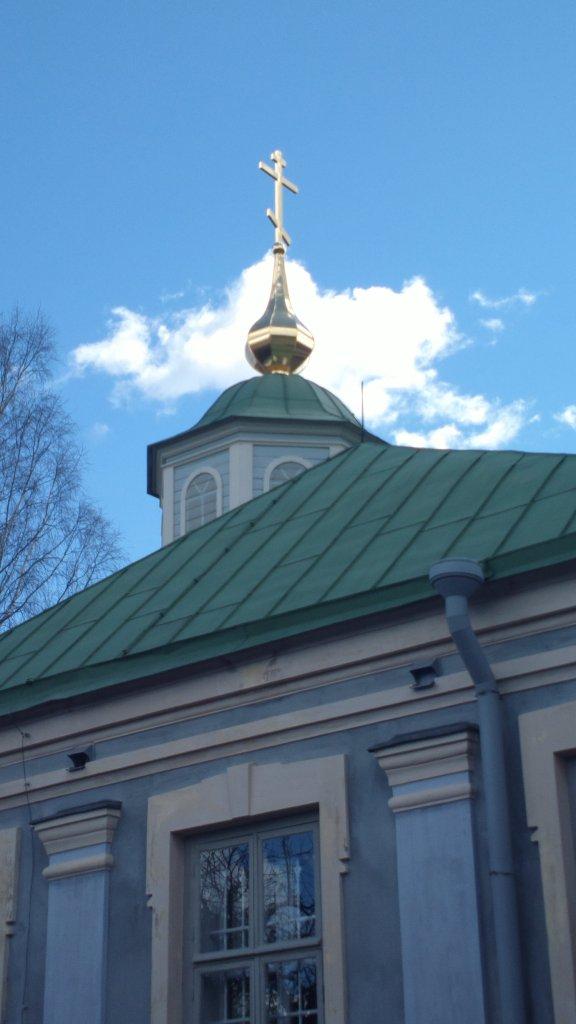 Jumalansynnyttäjän suojelukselle pyhitetty kirkko sijaitsee keskellä kirkkopäivien tapahtumia linnoituksessa. (Kuva/Photo: ortodoksiset kirkkopäivät )