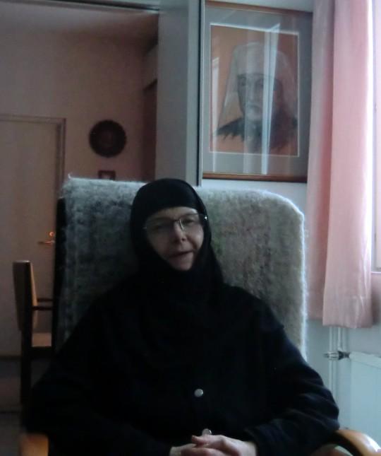 Nunna Kristoduli Lintulan luostarissa. (Kuva/Photo: Hellevi Matihalti)