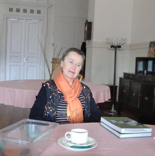 Ivan Kudrjavzewista on kirjaan kirjoittanut hienon henkilökuvan emeritaprofessori Natalia Baschmakoff.