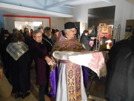Vaikka uuden toimintakeskuksen remontointi on kesken, niin hengellinen muutto on suoritettu, vakuutti isä Jyrki. (Kuva/Photo: Aristarkos Sirviö)