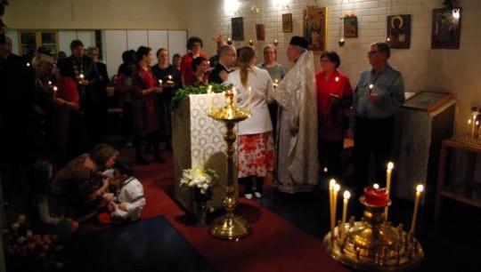 Pääsiäisyön palvelus Aleksanteri Syväriläisen kappelissa v.2009. (Kuva/Photo: Aristarkos Sirviö)