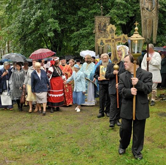 Ristisaatto Obinitsassa. (Kuva/Photo: Setomaa.ee/