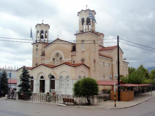 Pyhälle Johannes Venäläiselle pyhitetty kirkko Nea Prokopissa.