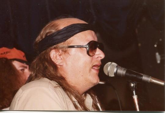Juice Leskinen Provinssirockin päätöstilaisuudessa 1985 Seinäjoella. ( Kuva/Photo: O-M Matihalti )