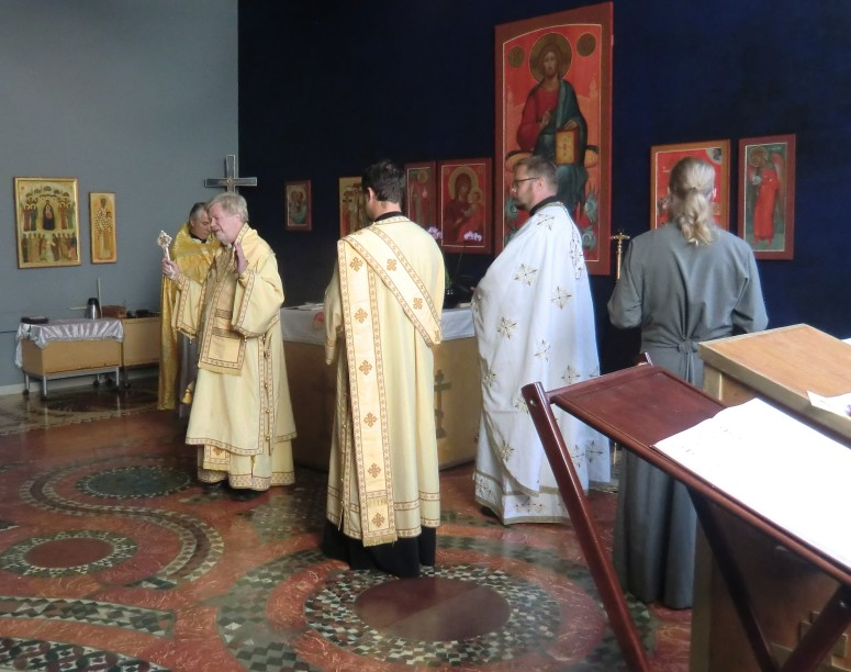 """""""Jumalallinen liturgia on kirkon elämän ydin. Siinä on itsekin voimakkaasti saavana osapuolena."""" (Kuva/photo : Hellevi Matihalti )"""
