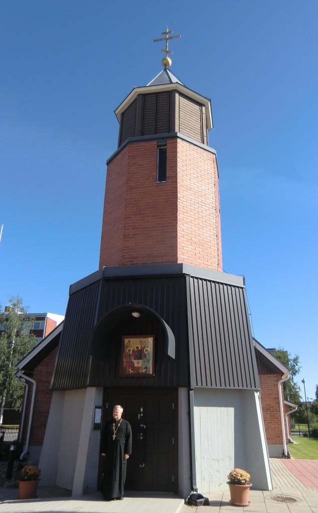Pyhän Kolminaisuuden katedraali on arkkitehtuuriltaan sangen mielenkiintoinen. (Kuva/Photo: Hellevi Matihalti)