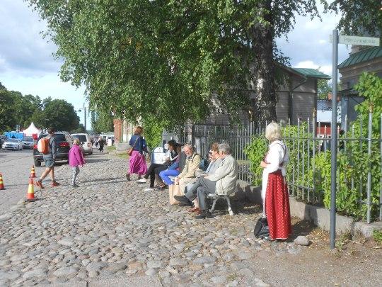 """Linnoituksesta muovautui viikonlopun ajaksi idyllinen """"ortodoksinen kylä"""". (Kuva/Photo: Aristarkos Sirviö)"""