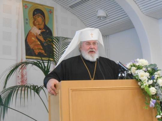 Karjalan ja koko Suomen arkkipiispa Leo pitää avauspuhetta kirkolliskokouksen ensimmäisessä täysistunnossa. (Kuva/Photo: Aristarkos Sirviö)