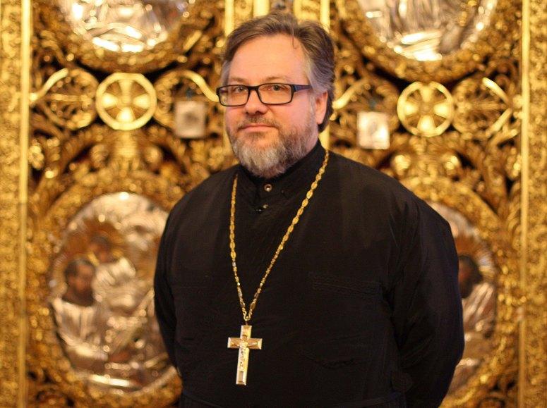 Pastori Vaslav Skopets on suorittanut teologian maisterin tutkinnon Joensuun yliopistossa vuonna 2004 ja vihitty papiksi vuonna 2005. Hänellä on myös psykoterapeutin pätevyys. (Kuva/Photo: Helsingin ortodoksinen seurakunta )