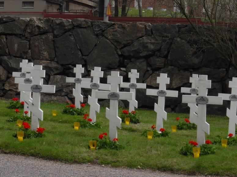 Helsingin Lapinlahdella on ortodoksisten sankarivainajien veljeshauta. Hauta-alueen on suunnitellut arkkitehti Kudrjavzew. (Kuva/photo: Aristarkos Sirviö)