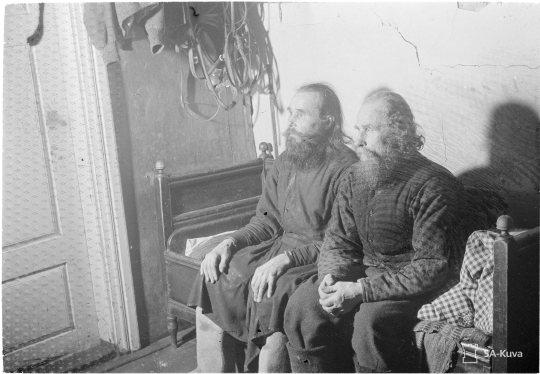 """Petsamosta paenneet munkit Kainuussa Kainuu 1940.02.10"" (Kuva/photo: SA-kuva)"