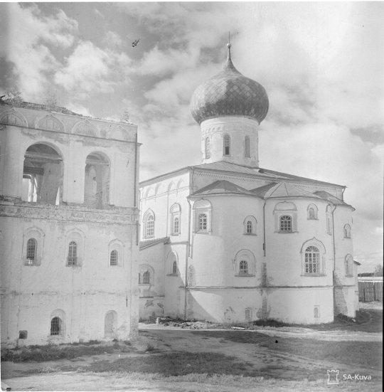 """""""Syvärin luostari. Vanha osa. Troitsan kontu 1941.09.08"""" (Kuva/Photo: SA-kuva)"""