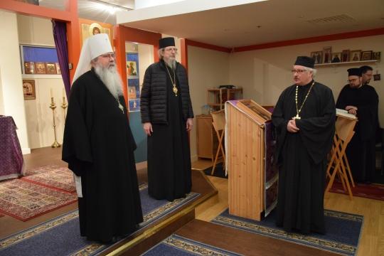 Metropoliitta Tiihon, arkkipiispa Melchisedek ja isä Jyrki Penttonen. (Kuva/Photo: Aristarkos Sirviö)
