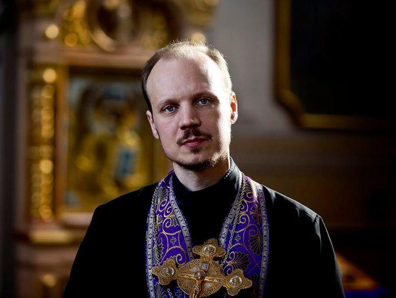 20150306 VAASA. ISÄ VILLE. Ortodoksi pappi Ville Kiiveri.