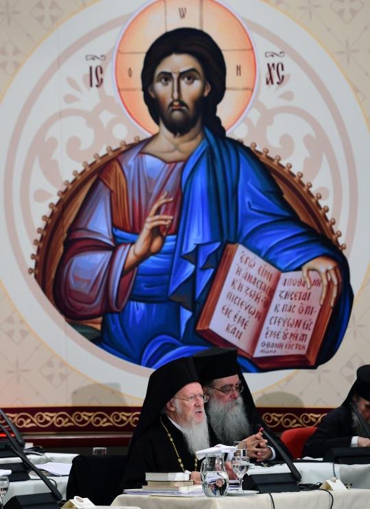 Avajaisistunnon puheenjohtajana toimi Ekumeeninen patriarkka Bartoleomos. (KUVA/PHOTO:© Dimitrios Panagos)