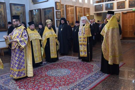 Valamon luostarin pääkirkossa toimitettiin ennen kirkolliskokouksen avausistuntoa rukouspalvelus arkkipiispa Leon johdolla. (Kuva/photo: Aristarkos Sirviö)