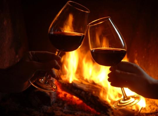 Viinilasi saattaa aiheuttaa eron kirkosta. Kuvassa olevat lasit ovat syyttömiä tapahtuneeseen . Kuva/photo:pixabay.com)