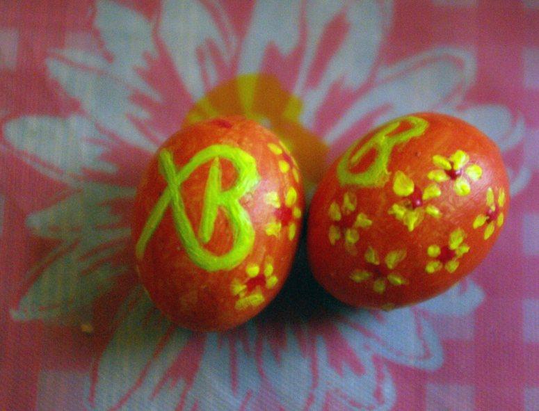 Pääsiäismunia joissa kirkkoslaavin kirjaimet XB